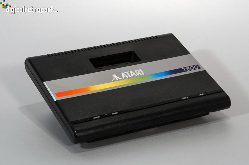 1984 ATARI 7800_low